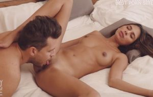Amateur Guy Eating Hot and Slim Girl's Wet Pussy Non Stop