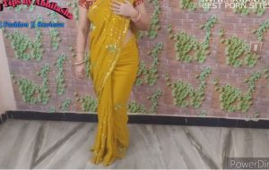 Indian Aunty In Saree Gets Naked and Talks Dirty For Camera