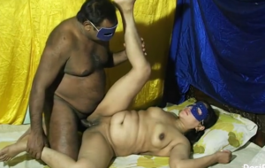 Indian housewife fucked by next door lover in missionary position