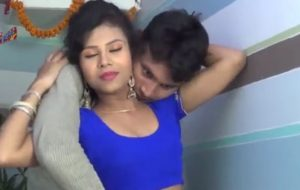 Courier boy seduces hot Indian housewife