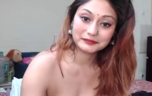 Sexy Indian callgirl showing her big boobs
